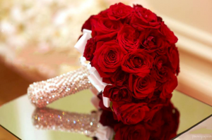 گل سرخ یا رز در سفره عقد