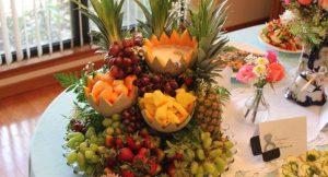 قرار دادن میوه و شیرینی در سفره عقد